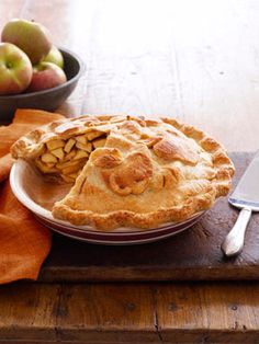 The next recipe I make in my #happyroom - A double crust apple pie! YUMMY :) #goodhousekeeping