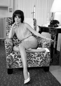 Nathalie Wood in Carlton hotel. Cannes 1962.