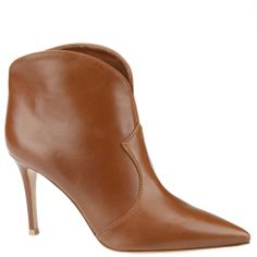 Gianvito Rossi ankle boots in brown leather. shop.wunderl.com