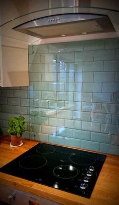 New Kitchen Tile Splashback Stove 24 Ideas Rustic Kitchen, New Kitchen, Kitchen Decor, Kitchen Modern, Awesome Kitchen, Design Kitchen, Kitchen Island, Kitchen Splashback Tiles, Splashback Ideas