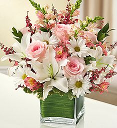 A pretty Pink and White floral arrangement. Funeral Floral Arrangements, Flower Arrangements Simple, Ikebana, 800 Flowers, Same Day Flower Delivery, Funeral Flowers, Arte Floral, Decoration Table, Spring Flowers