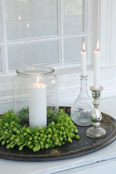 Great idea for glass bottles. Great idea for glass bottles. Candle Arrangements, Centerpieces, Angels Garden, Christmas Decorations, Table Decorations, Holiday Decor, White Christmas, Xmas, Simple Christmas