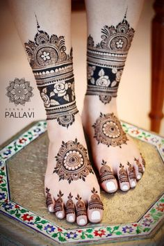 20 Amazing Leg Mehendi Designs Which Are Perfect For Bridal Feet.