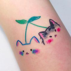 Credit to tattoos. Cat Tattoo, Get A Tattoo, Tiny Tattoo, Small Tattoos, Small Colorful Tattoos, Anime Tattoos, Body Art Tattoos, Kawaii Tattoos, Pretty Tattoos