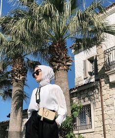 Image may contain: one or more people, people standing, sky, tree and outdoor - hijab ideas Modern Hijab Fashion, Street Hijab Fashion, Hijab Fashion Inspiration, Muslim Fashion, Women's Fashion, Hijab Elegante, Hijab Chic, Ootd Hijab, Casual Hijab Outfit
