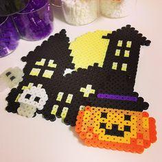 """Halloween✨制作途中! #perlerbeads #perler #halloween"""