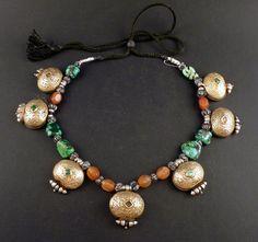 Old Silver tibetan ga'u amulet boxes necklace door ethnicadornment