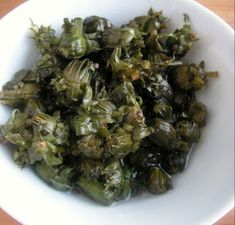 Herkkusuun lautasella Ruokablogi: Voikukkakaprikset Sprouts, Vegetables, Kitchen, Food, Cooking, Kitchens, Essen, Vegetable Recipes, Meals