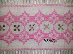 Resultado de imagen para bordado yugoslavo esquemas Swedish Weaving, Bargello, Embroidery Stitches, Cross Stitch Patterns, Needlework, Diy And Crafts, Projects To Try, Retro, Masons