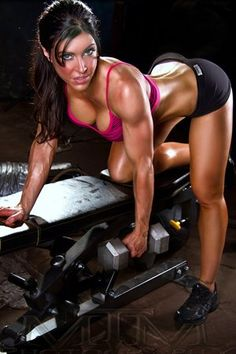 ''Lifting weights does not make girls she-beasts, just better than your average Jane Doe'' => http://www.fitzspiration.com/lg/meal-plans-and-workouts-for-abs