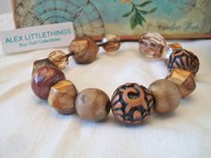 Vintage Brown Beaded Stretch Bracelet by ALEXLITTLETHINGS on Etsy