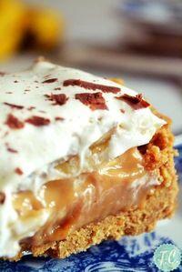 banofie it is! Greek Sweets, Greek Desserts, Fun Desserts, Dessert Recipes, Food Network Recipes, Food Processor Recipes, Banoffee Cheesecake, Low Calorie Cake, Sweet Pie