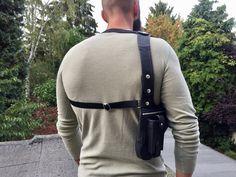 "Revolverbag ""LOUIS"" schwarze Halftertasche Holstertasche Pistolenhalfter schwarze Umhängetasche Handyholster Custom Leather, Real Leather, Leather Backpack, Shoulder Bag, Purses, Casual, Man Bags, Black, Bike"