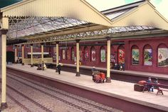 There are few model railway plans that can be deemed 'classic'. One surely must be the late Cyril Freezer's 'Minories' plan. The plan was the result a flash of inspi… N Scale Model Trains, Model Train Layouts, Scale Models, Brick Paper, Model Railway Track Plans, Brick Architecture, Rail Car, Uk Outline, Train Set