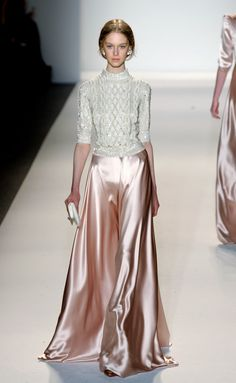 Soirée chic en robe longue by Jenny Packham Fashion Week, Look Fashion, Runway Fashion, High Fashion, Fashion Show, Womens Fashion, Fashion Design, Fall Fashion, Fashion Models