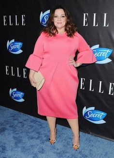 Melissa McCarthy wore a gorgeous shade of pink at the Elle's Women in Comedy event. Get the dress details!