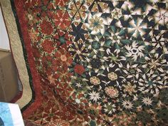 AMAZING Quilt  Posted on www.quiltersclubofamerica.com  Called a One Block Wonder, I'm going to get the book so I can make one too!
