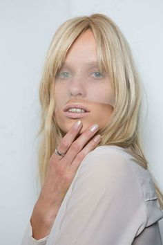 Opalescent Nail Art Designs | Spring 2016 Nail Art Trends, check it out at http://makeuptutorials.com/spring-2016-nail-art-trends-makeup-tutorials