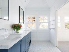 Stritt Design 038 Construction Mosman Residence Traditional coastal home Hampt Stritt Design Marble Bathroom Floor, Zen Bathroom, Small Bathroom, Marble Floor, Marble Bathrooms, Carrara Marble, Bathroom Canvas, Coastal Bathrooms, Gold Bathroom
