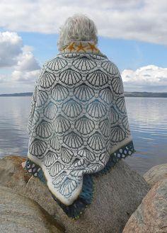 Knitting - Raindrop Shawl (Ravelry)