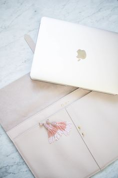 Cuyana Pink Leather Blush Laptop Sleeve | MAC Book Sleeve | Laptop Case | Christmas Gift Ideas For Her