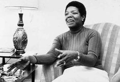 12 Stunning Vintage Pictures Of Maya Angelou