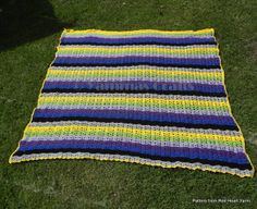 My huge blanket. Original pattern from Red Heart Yarns - huge yarn blankets Easy Knit Blanket, Knitted Baby Blankets, Crochet Blanket Patterns, Knitting Patterns, Patchwork Heart, Cat Colors, Red Heart Yarn, Knitting For Beginners, Yarns