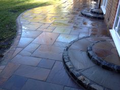 Indian stone patio with feature steps Flagstone Paving, Sandstone Paving, Paving Slabs, Sun Plants, Patio Plants, Garden Slabs, Small Patio Spaces, Container Flowers, Patio Design