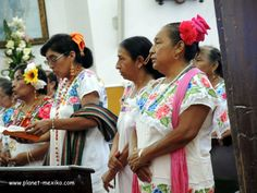Maya Frauen im Gottesdienst