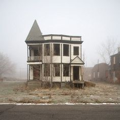 ohhh... (Abandoned homes in Detroit)
