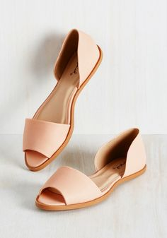 efe8966945b731 23 Commute-Friendly Shoes to Wear to Work. Flat SandalsSandals ...
