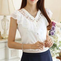 Las nuevas mujeres de la manera del verano 2015 del envío libre de la gasa del cordón de la blusa de la camisa ocasional de la señora falbala de base hueca a cabo las flores 2 colores S ~ XL