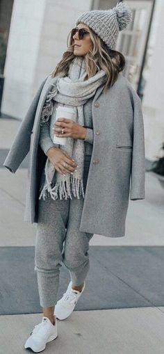 48 best winter 2018 outfit trends ideas stroje winter fashion b Winter Fashion Boots, Fall Winter Outfits, Autumn Winter Fashion, Casual Winter, Cozy Winter, Winter Weekend Outfit, Running Clothes Winter, Weekend Style, Weekend Wear