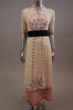 omgthatdress:  Dress 1912 Kerry Taylor Auctions