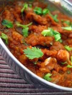 Erra pachadi/ Pachi Ulligadda karam( Raw onion chutney )