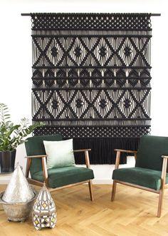 Macrame and woven decor. Macrame Wall Hanger, Macrame Curtain, Macrame Wall Hangings, Macrame Wall Hanging Patterns, Diy Home, Home Decor, Macrame Design, Macrame Art, Macrame Knots
