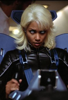 Halle Berry as Ororo Munroe / Storm in X-Men Gambit Movie, New Mutants Movie, Wolverine Movie, Halle Berry Storm, Rogue Movie, Comedy Cartoon, Days Of Future Past, Men's Day, Man Movies