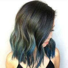 """We interrupt our last post for this late breaking GORGEOUS! --TETRA BLUE-- by @jamiekeikohair #bluehair #behindthechair #wob"""