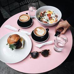 happily // ✧ #Coffeebreak