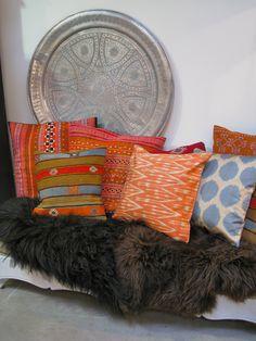 kilim and ikat Ibiza, Decorative Objects, Bean Bag Chair, Cushions, Throw Pillows, Interior Design, Creative, Marrakech, Boutiques