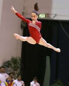 Jordyn Wieber, Olympic gymnast, talks about food Source by micheleborboa Gymnastics Facts, Artistic Gymnastics, Olympic Gymnastics, Gymnastics Girls, Olympic Athletes, Olympic Team, American Girl Doll Gymnastics, Jordyn Wieber, Female Gymnast