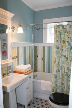 Wonderful bath redo in 1920's bungalow :: pic 2 of 3