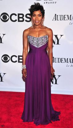 purple red carpet dresses | ... was turning heads on the red carpet with a super-sexy purple dress