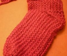 Loom Knitting Sock Tutorial and Pattern