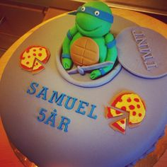 Birthday cake for a five year old boy! Who loves Mutual Nina Turtles