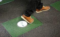 Britânico cria tapete que gera energia elétrica com a força de pisadas