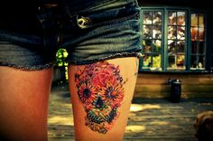 skull thigh tattoos, thigh tattoos and floral skull tattoos. Skull Thigh Tattoos, Sugar Skull Tattoos, Body Art Tattoos, Tatoos, Tattoo Thigh, Sugar Skulls, Sugar Tattoo, Type Tattoo, Candy Skulls