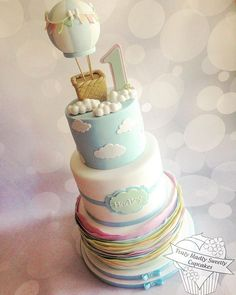 https://flic.kr/p/yBEuzT | Up, up and away . A first Birthday cake for my Grandson Hadley . #clouds #hotairballoon #pastels #birthdaycake