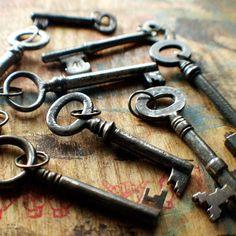 I love antique skeleton keys