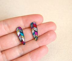 Feathers studs earrings by lacravatteduchien on Etsy, €9.00